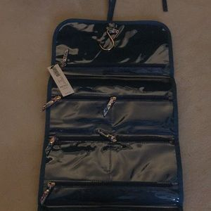 Chico's travel caddy